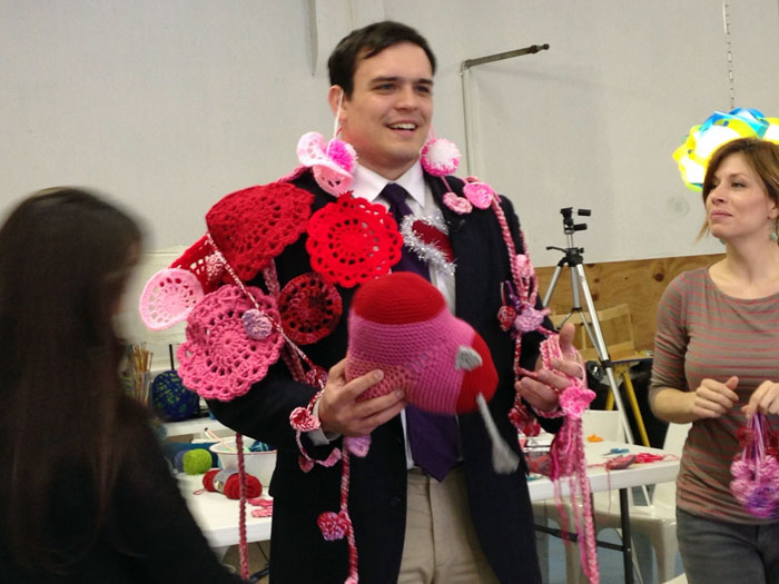 Nathan-Vickers-yarn-bomb-2