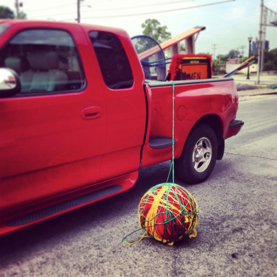 yarn-ball-truck